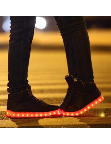 chaussure-led-montante-noir
